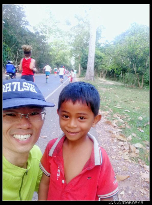 20171203柬埔寨吴哥窟半程马拉松15 595x800 - 20171203柬埔寨吴哥半马