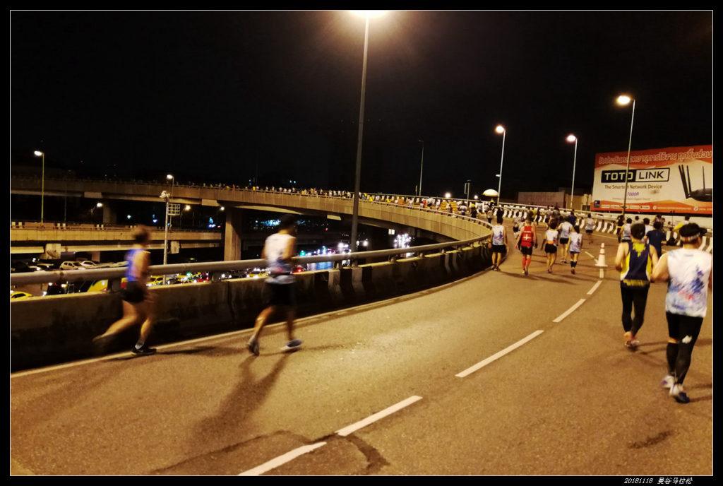 17 1024x688 - 20181118曼谷BDMS天空夜跑马拉松